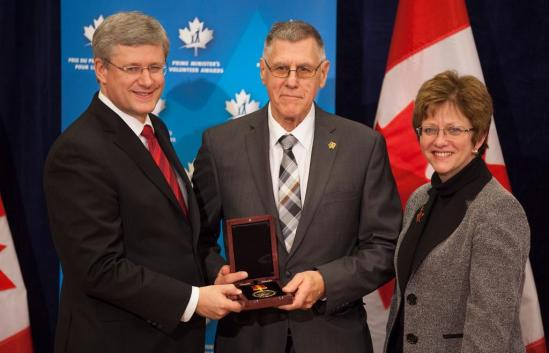 Coach Goulet with Prime Minister Steven Harper & Diane Finley, Minister of Human Resources